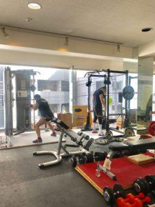 【横浜フリーウエイトジム】秋はトレーニングを始めるいいタイミング