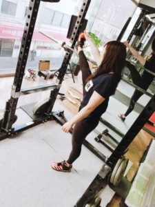 女性の方もトレーニングを楽しんでいます✨